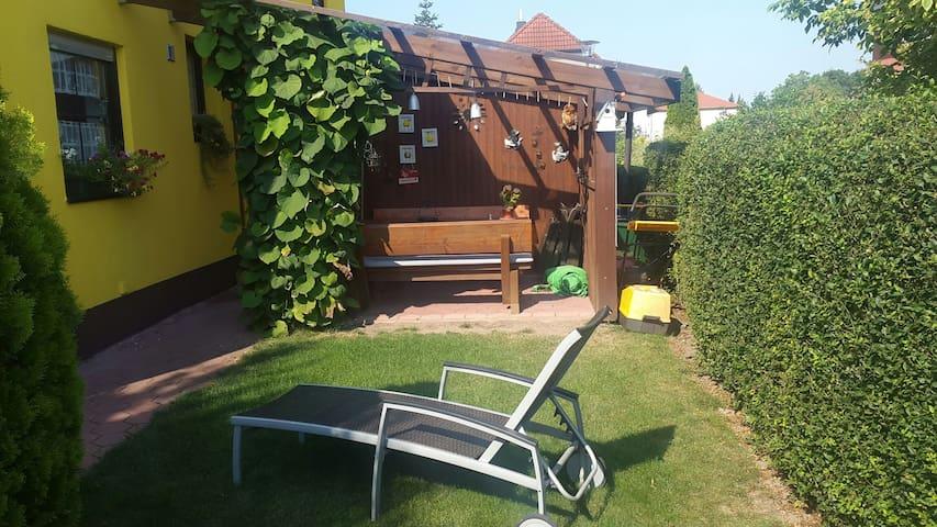 Große 2 Zimmer Ferienwohnung. - Neustadt an der Aisch - Apartment