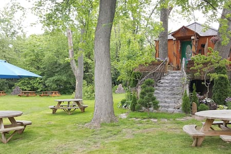 Save the Best for Last - Franklin - Cabane dans les arbres