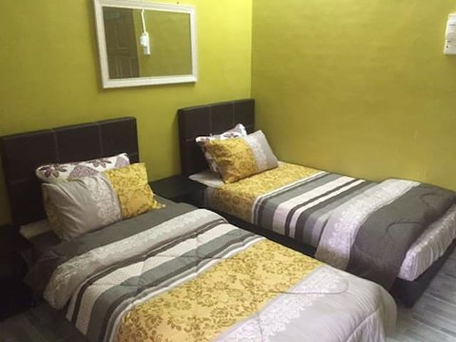 Luxurious room in private house - Alor Gajah - Dům