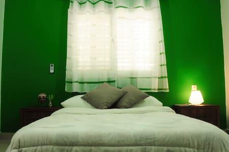 The Green Room - Premium location - Haifa