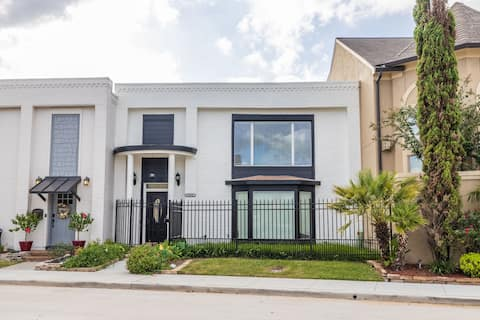 3 Br townhouse near NRG Medical Center downtown