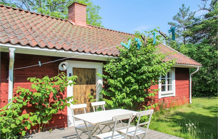 Holiday cottage with 1 room on 35m² in Gamleby