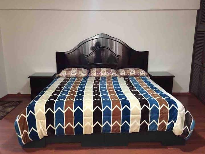 Bonito departamento, cama king Size