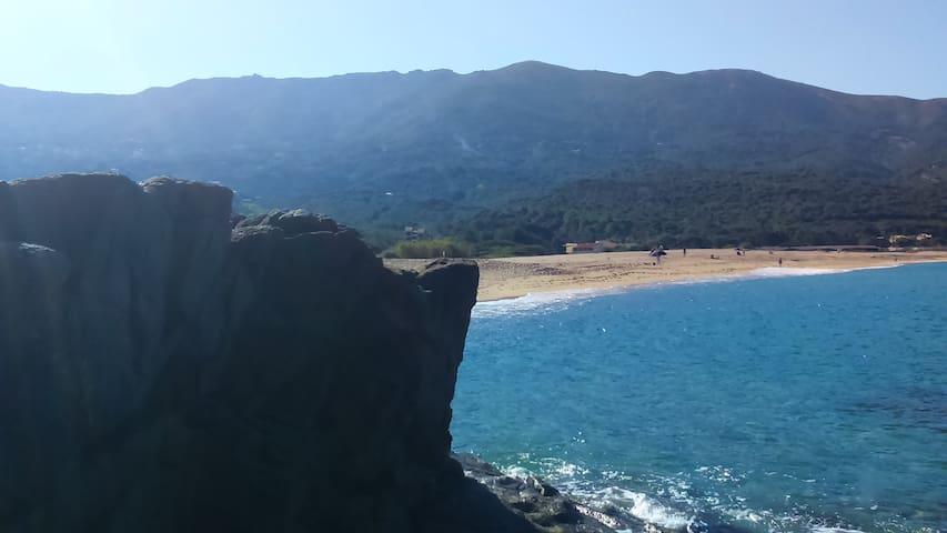 Studio duplex Corse du sud 200m plage de la Liscia