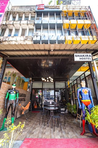 Shakira Hostel Deluxe Double Room Bangkok