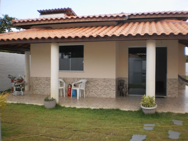 Casa de 3 quartos em cond. fechado - Monte Gordo - Casa