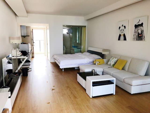 小径湾单间海景大床房、、配套齐全、简约风、提供Wi-Fi、情侣首选 - 惠州