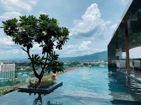 Astra Condo chiangmai Old City Tha Phae Gate Sky Pool 51m2 Big House