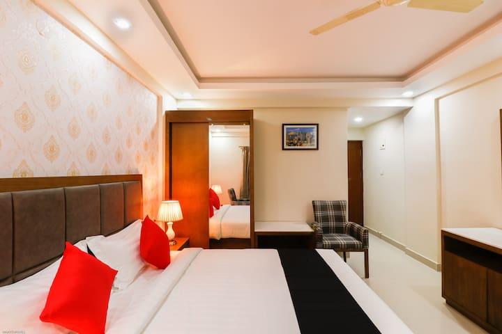 OYO Capital O Well-Lit 1BR Hotel