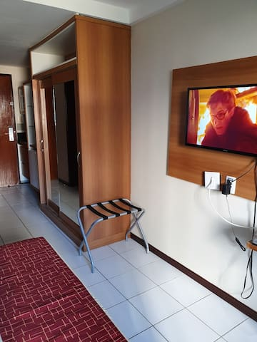Televisao flat com servico a Cabo