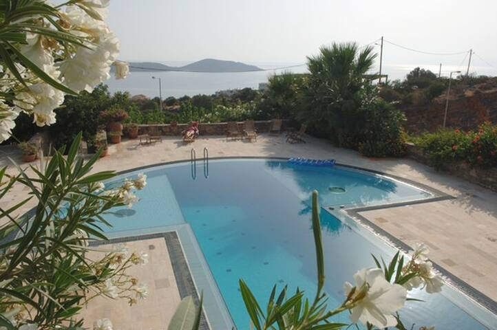 Elounda villa with shared pool and seaview