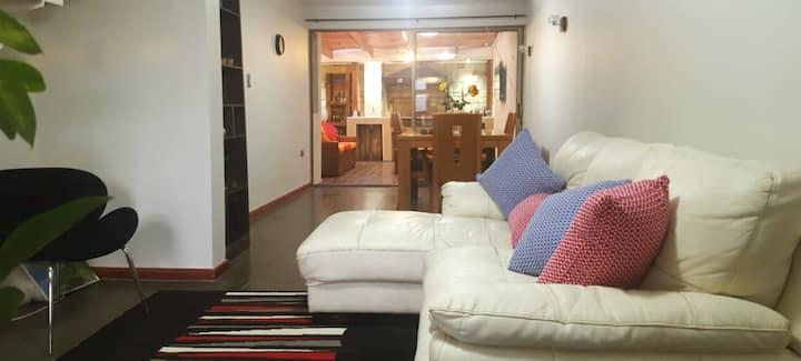 Casa Amplia-Céntrica. 2 AC,Asadera, lavadora, wifi