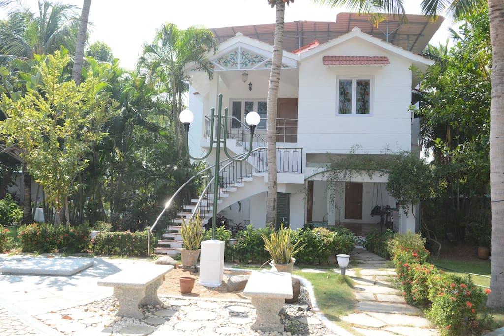 Tranquil Beach House In Ecr Chennai Bungalows For Rent In Chennai Tamil Nadu India