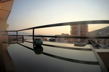 SunSet Seaview Apartement - Close to beach&center!