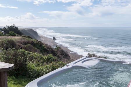 Gorgeous Premier Ocean Front Home - The Bellagio - Manchester - Casa