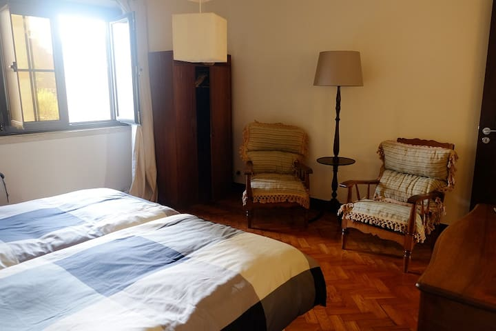 Stay cosy in Lisboa - room 1 (two single beds) - Lisboa - Dům