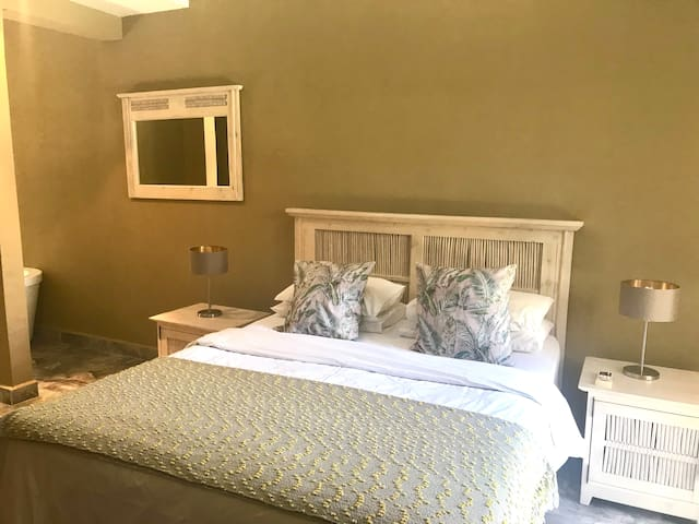 second main bedroom