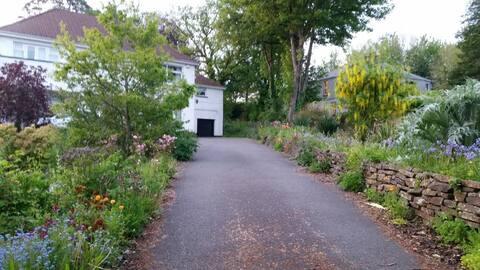 Near Prince Charles Hospital and Bike Park Wales