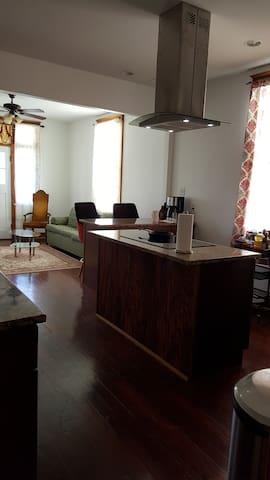 Kitchen - Livingroom