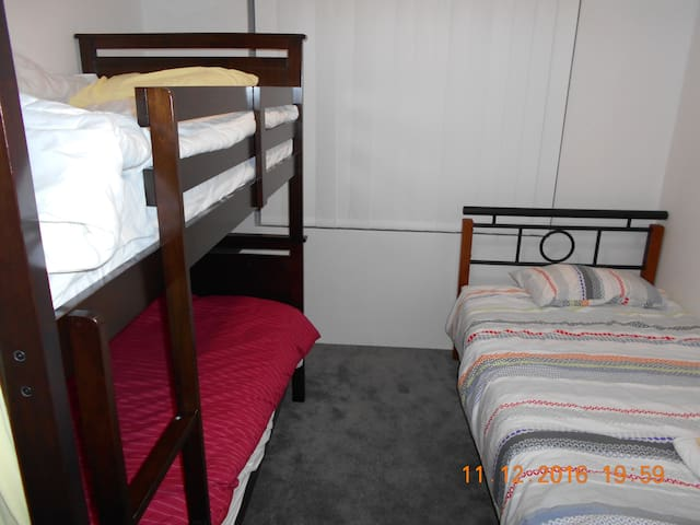 Bunk bed, King Single (Private Room) Room for 4 - Parmelia, Western Australia, AU