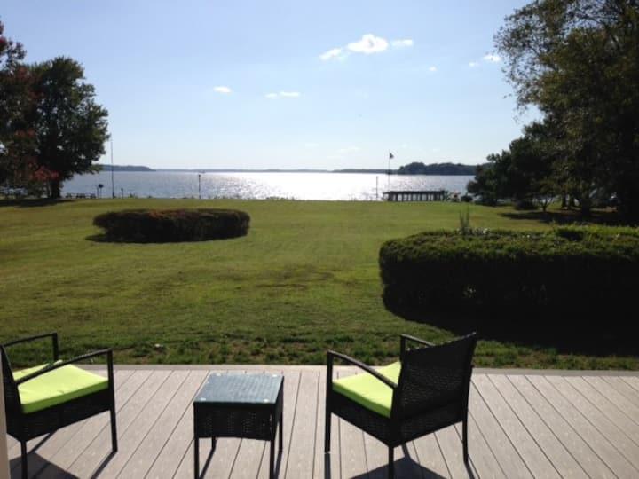 Fabulous Private Potomac Waterfront Retreat