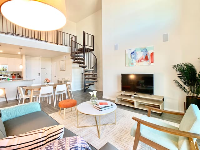 Spacious 3bd/2ba apt. in Tempe with Modern Fitness Center and Pool