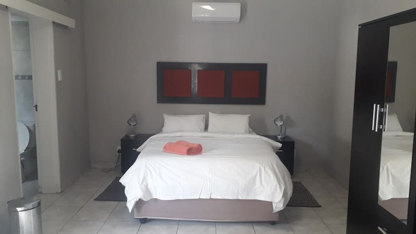 The Copper Guesthouse Room #8
