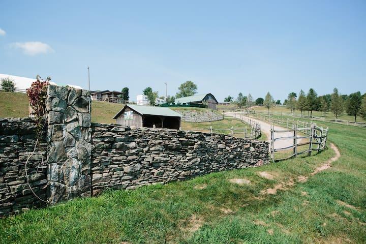 The Rolling Stone Ranch, Bethel NY