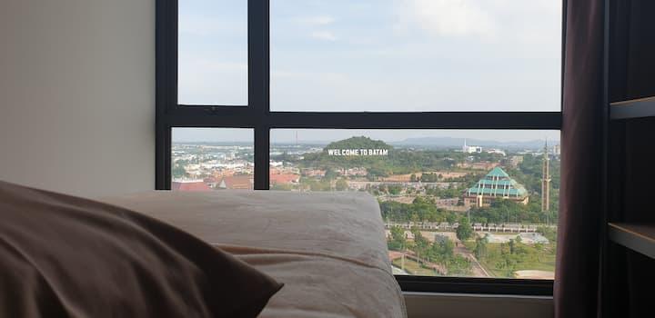 Great Location! 2-Bedrooms Condo on High Floor.