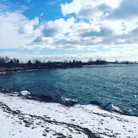 Charming Guest Suite Steps from Waterfront - Toronto - Lägenhet