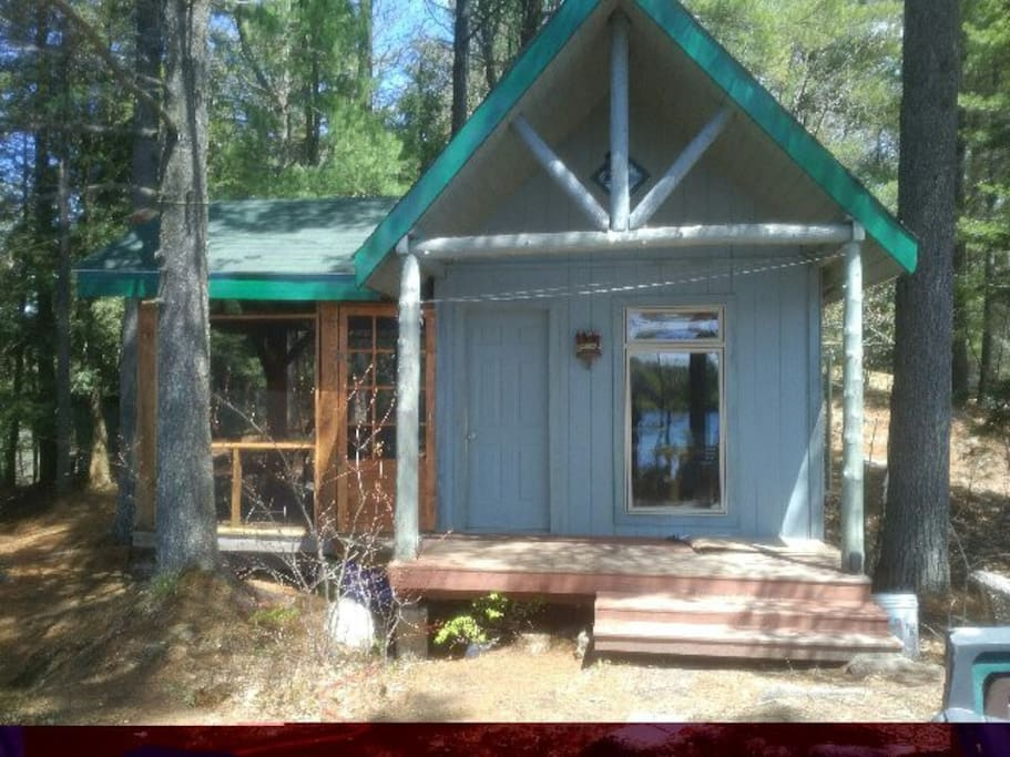 Cabin with Screen door to porch