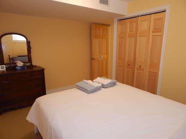 Baker Street Bedroom