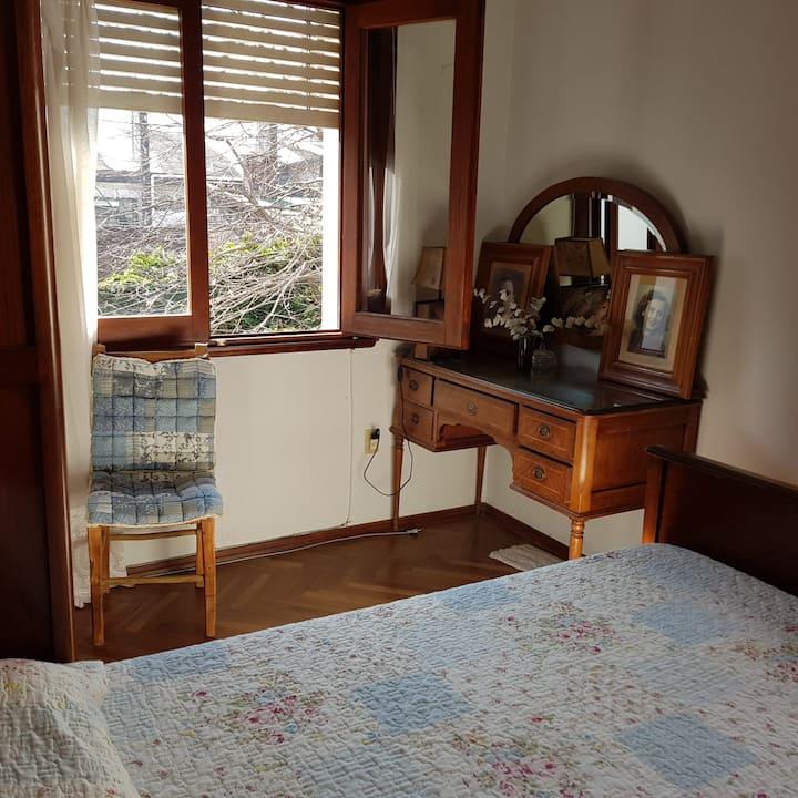 Hermosa casa en barrio histórico habitación simple