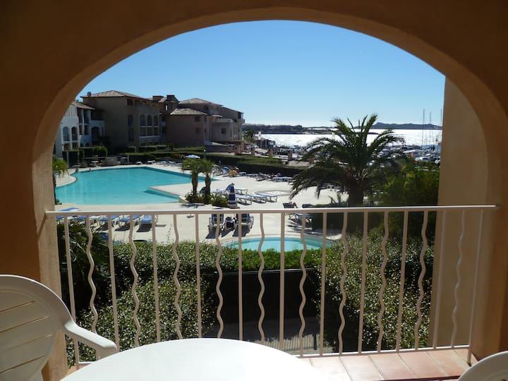 Appartement T2 vue mer piscine parking