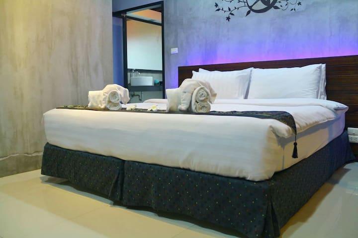 Two Bedrooms  Baan Norkna Bangtao - Tambon Choeng Thale A. Thalang - Huis