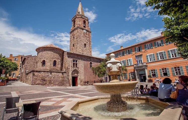 T2 cosy et chaleureux dand centre historique