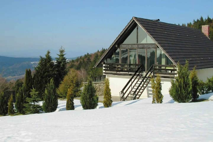 Pretty Holiday Home in Schöfweg ot Langfurth near Ski Slope