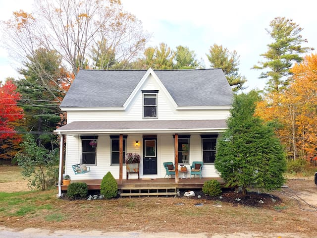 Charming 3 Bedroom 1900 Farmhouse