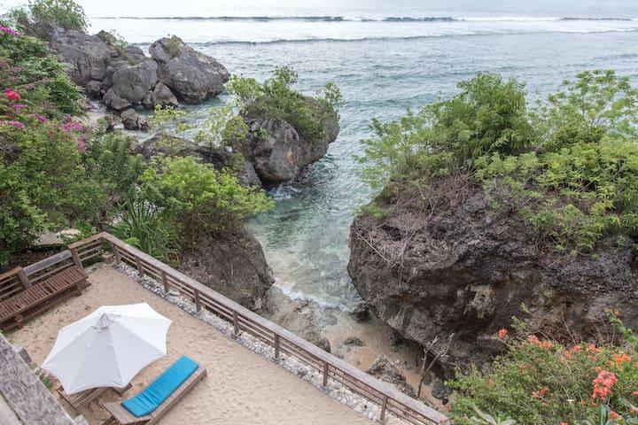Magical Beach house in Secret Tropical Bay - Kuta Selatan - House