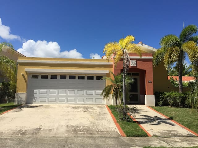Spacious one story house in exclusive Palmas del Mar community