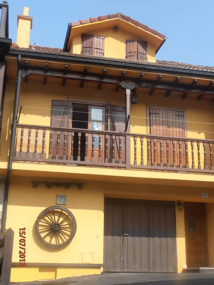 Casa las Cortes  en Treceño. Cantabria