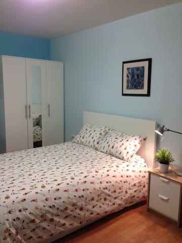 Modern House  $790 mo - Centreville - House