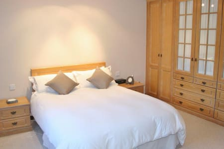 Skerries Room, Hopefield House, Portrush - Portrush - (ukendt)