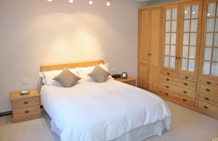 Skerries Room in Luxury Home,  Portrush (NITBA)
