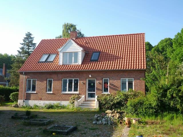 Country Farmhouse near beach - Haderslev - House