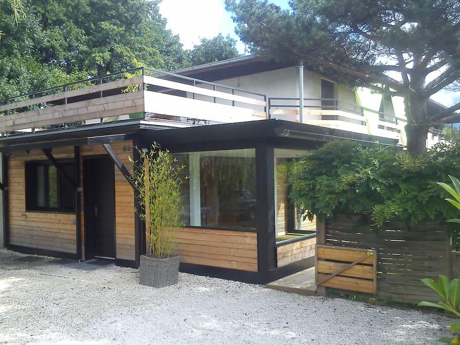 Beau rez de jardin t4 300 m tres du lac d 39 annecy for Beau jardin apartment