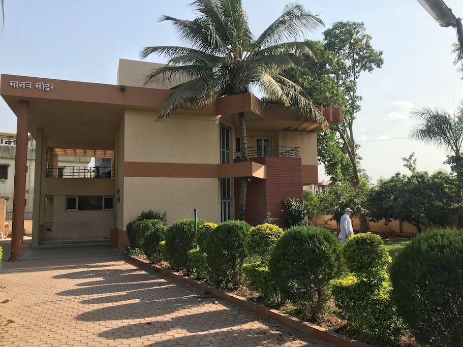 Garden Box Cricket Area Big Terrace Ac Bungalows For Rent In Ahmednagar Maharashtra India