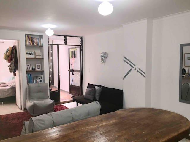 Habitación privada en acogedor apartamento