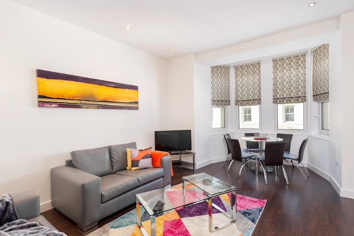 Strathmore House Apartments - a 1 bedroom apt