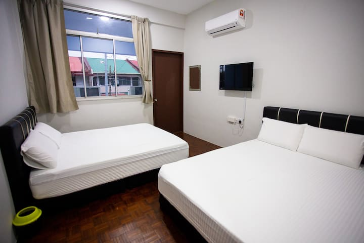 Hom2rex ~ home to relax ~ Kuching Homestay~ I Room